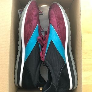 b0fb5c6684984 Brooks Shoes - Good condition Brooks Vanguard Sneaker 8.5